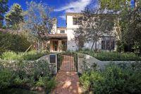 Garden-fence-for-spanish-house