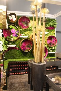 Green-and-Fuchsia-plant-decor