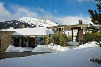 Jaw-dropping-luxury-mountain-chalet-in-Montana