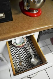 Kitchen-Drawer-Makeover