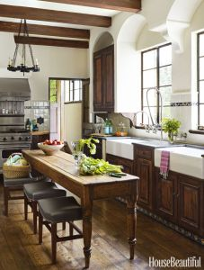 Kitchen-featuring-traditional-cabinets