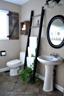 Ladder-bathroom-towel-storage