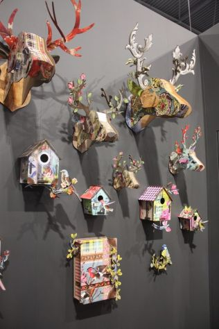 Miho-heads-an-birdhouses