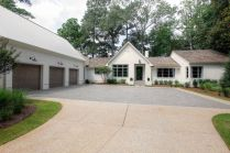 Ranch-Home-Design-driveway-and-garage-doors
