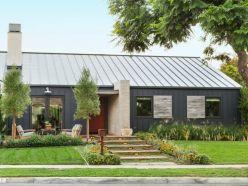 Ranch-Home-Design-in-dark-color