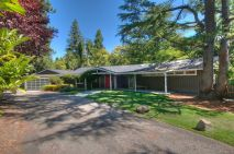 Ranch-Home-Design-with-red-door