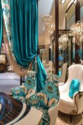 Rich-colors-and-fabrics-for-rococo-baroque-style-decor