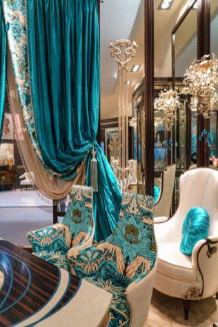 Rich-colors-and-fabrics-for-rococo-baroque-style-decor