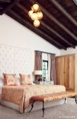 Spanish-interior-with-patterned-wall
