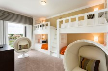 Teenage-room-with-white-bunk-beds