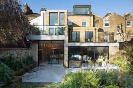 The-Coach-House-London-Extension-backyard