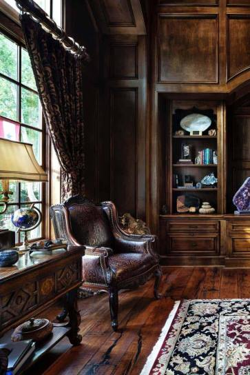 Traditional-English-manor-house-with-opulent-details-in-Texas-reading-corner