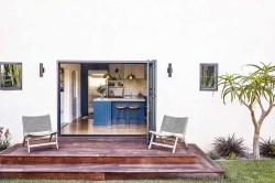 Venice-Beach-celebrates-tropical-modernism-small-deck