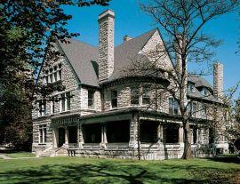 Victorian-richardsonian-deep-porch