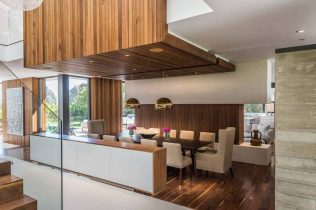 Villa-architectural-details-in-Pacific-Palisades-dining-area-1024x683