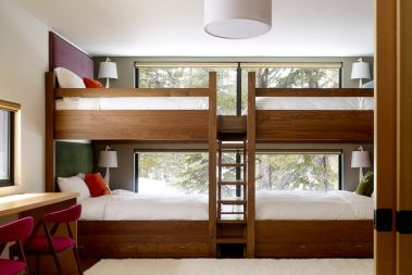 bunk-beds-placed-closer-to-window