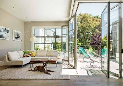 classic-Victorian-home-in-Noe-Valley-balcony