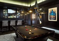 gaming-room-with-pool-table