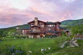 ranch-style-home-surrounded-by-beauty-in-Colorado