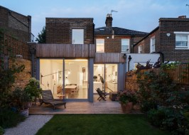 refurbishment-and-remodelling-by-architecture-studio-Haptic