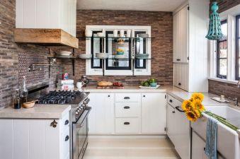 u-shaped-rustic-farm-kitchen