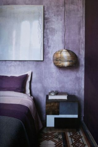 a-catchy-bedroom-with-a-purple-and-watercolor-lavender-wall-purple-and-pink-bedding-a-shiny-pendant-lamp