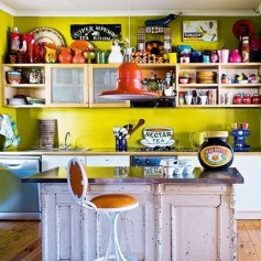 colorful-kitchen-with-vintage-elements