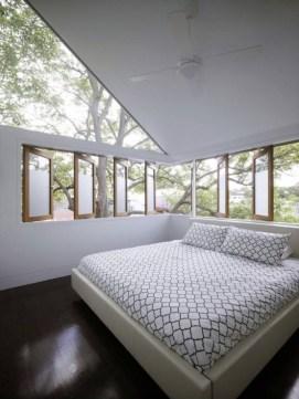daring-glass-bedroom-design-ideas-13-554x738