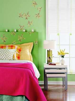 dreamy-spring-bedroom-decor-ideas-10