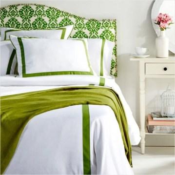 dreamy-spring-bedroom-decor-ideas-16-554x554