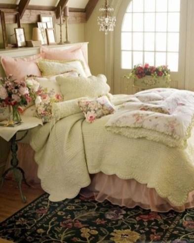 dreamy-spring-bedroom-decor-ideas-6