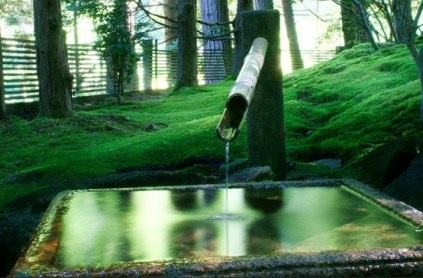 relaxing-japanese-inspired-front-yard-decor-ideas-16-554x365