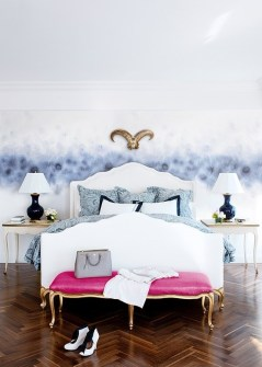 romantic-and-tender-feminine-bedroom-designs-18