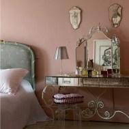 romantic-and-tender-feminine-bedroom-designs-24