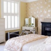 romantic-and-tender-feminine-bedroom-designs-28