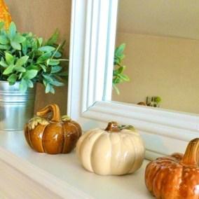 thanksgiving-mantelpiece-decor-ideas-17-554x554