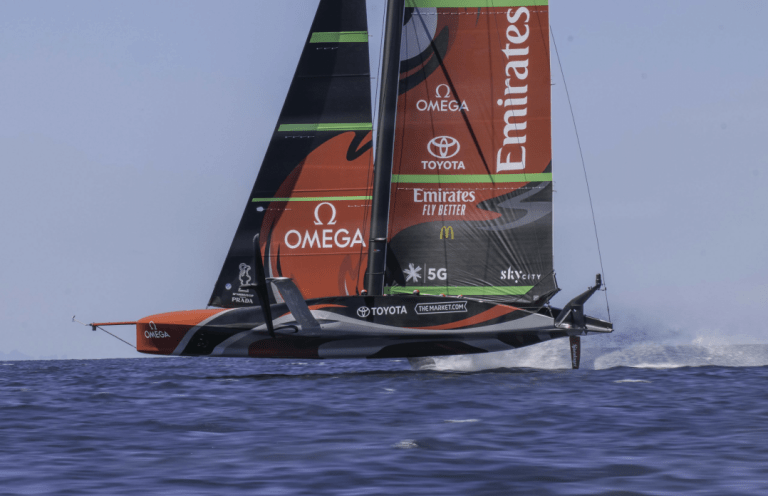Hydraulink gives wings to lightning-fast America's Cup