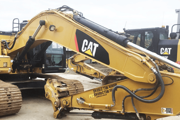 Hyrdaulink customisation extends versatility of workhorse CAT machinery