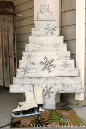 diy-wood-pallet-christmas-tree-tutorial-1333x2000