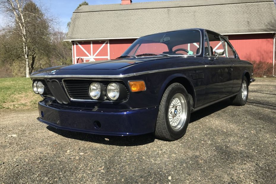 1971 BMW 2800 CS with a M90 Inline-Six