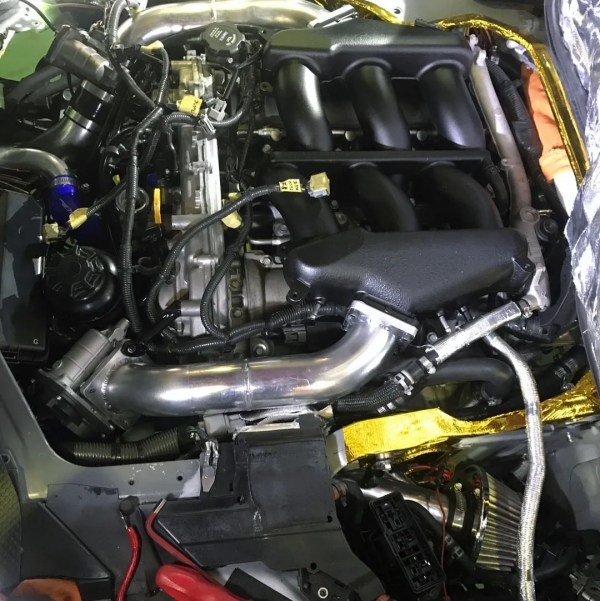 Toyota HiAce Van with a Twin-Turbo VR38 V6