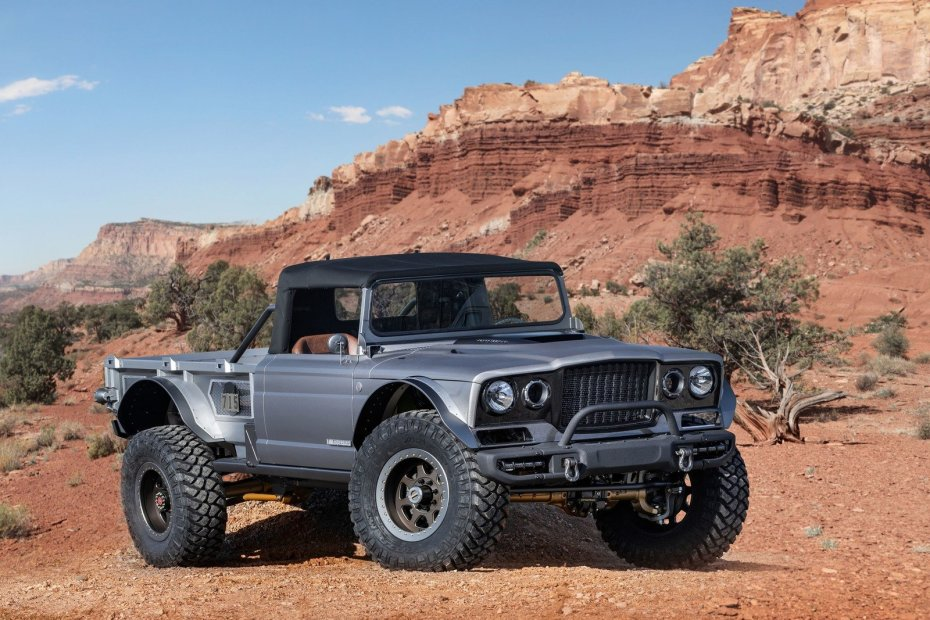 Jeep M-715 Five-Quarter with supercharged Hellcat V8