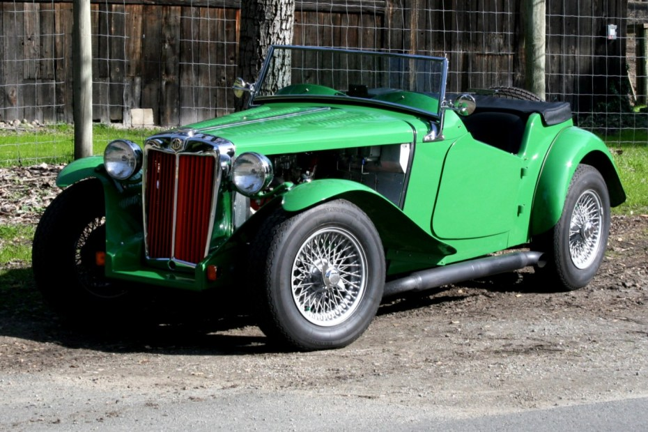 1952 MG TD with a 350 ci Chevy V8