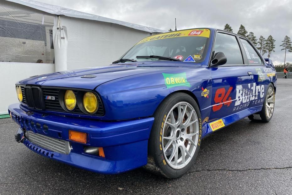 Vidar Jødahl BMW E30 M3 with a turbo 2JZ-GTE inline-six