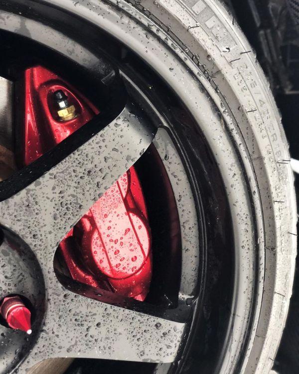 Akebono big brake on a Nissan 350Z with a LS3 V8