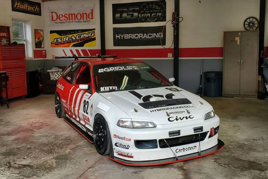 Eric Kutil 1992 Civic with a K24 inline-four