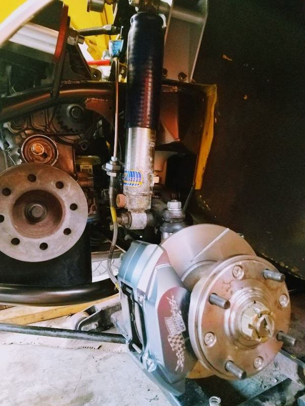 brakes and suspension on a 1976 Mini built by Mcgee's Custom Minis