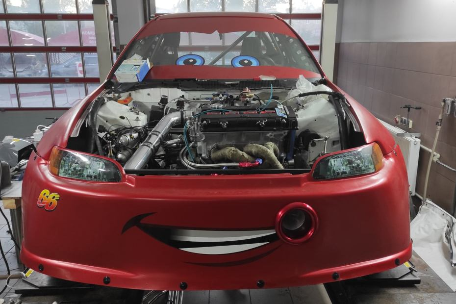 Civic EG with a turbo 2.0 L B18 inline-four