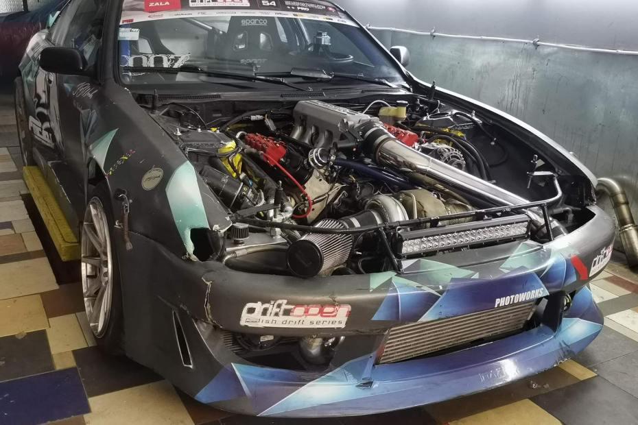 Paweł Kalotka's Nissan 200SX S14 with a Turbo 6.3 L LS1 V8