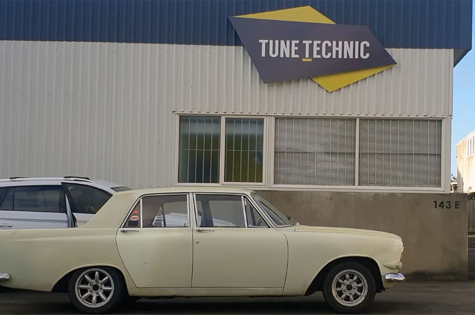 1965 Ford Zephyr with a Toyota 1UZ V8
